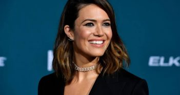 Mandy Moore on tour